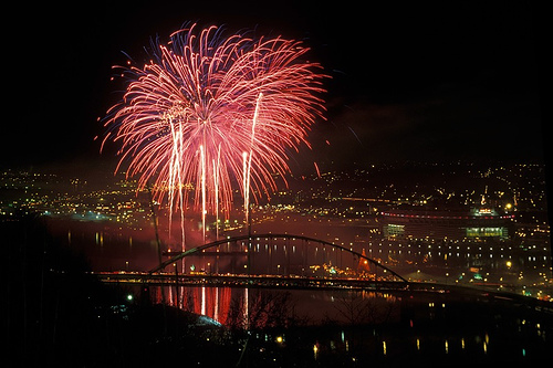 Fireworks over Pittsburgh, 2000. Photo by DeathByBokeh (http://www.flickr.com/photos/sriram/)